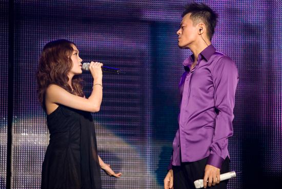 Joo dueting with JYP